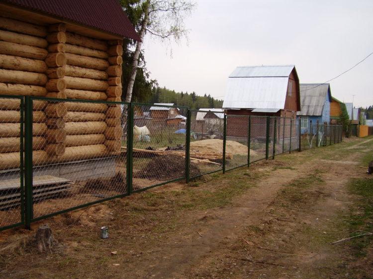 Секционный забор из сетки рабицы в г. Высоковск